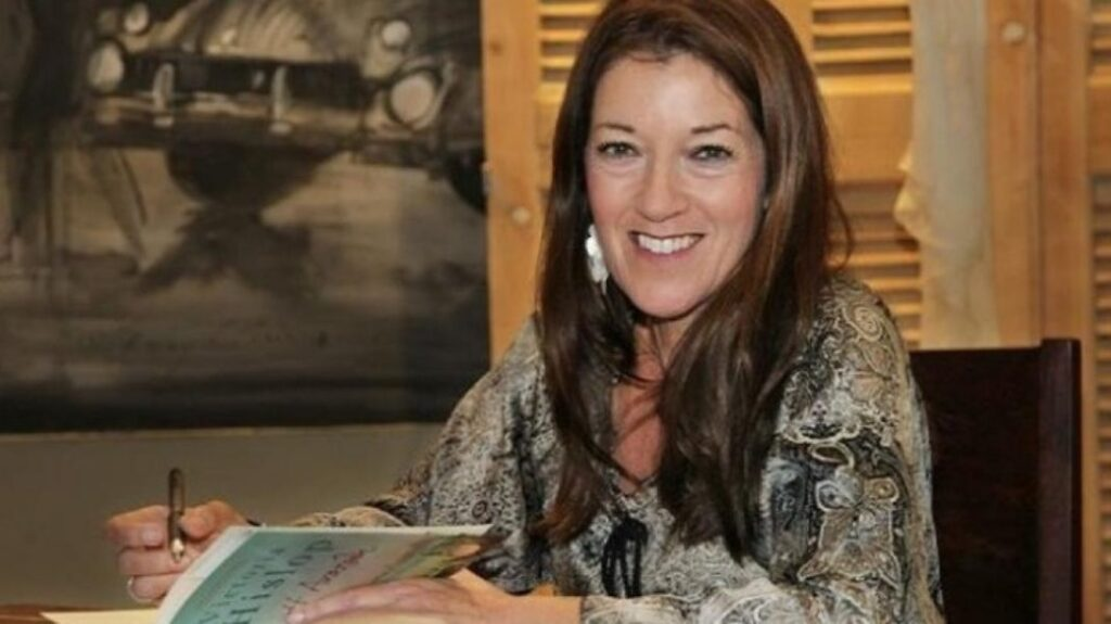 Bestselling author Victoria Hislop becomes honorary citizen of Greece