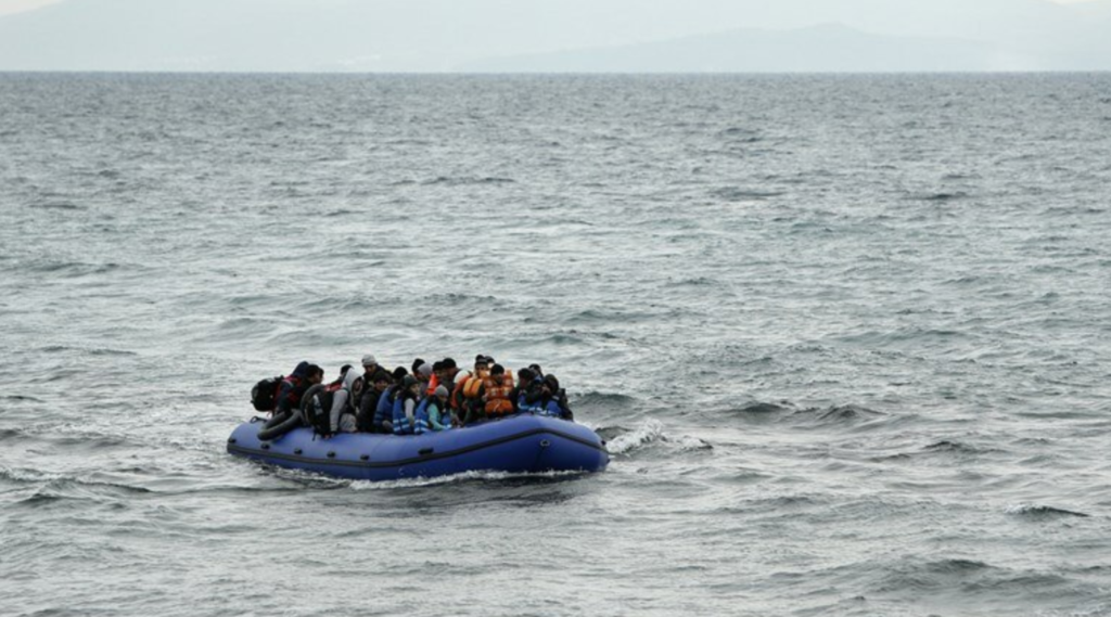 27 undocumented migrants cross from Turkey to Lesvos 2