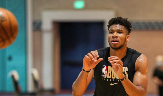 Giannis Antetokounmpo to wear 'Equality' on jersey 1