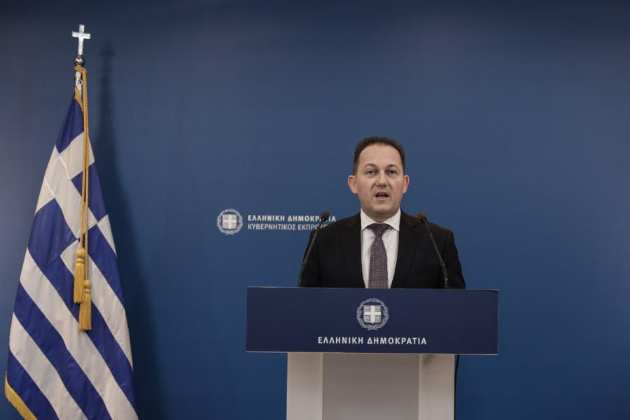 The presence of 'Barbaros' in Cyprus' EEZ is unacceptable, says Greek government spokesman 2