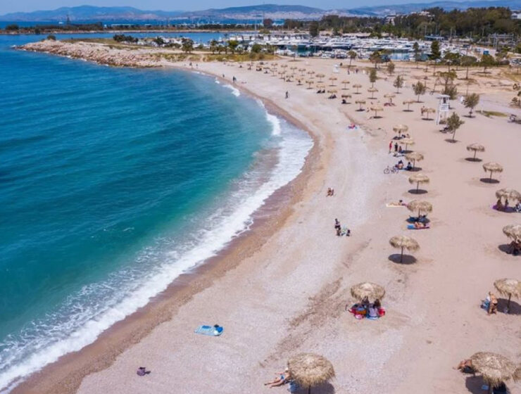 Covid-19 safety measures extended for beaches in Greece