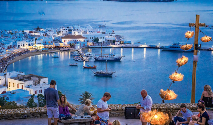 Greek Tourism, food staff to be tested twice weekly for coronavirus 3