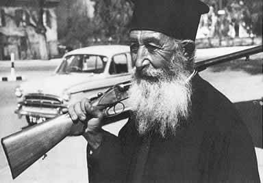 Monk arrested in Crete for trying to fly with a gun and bullets 4