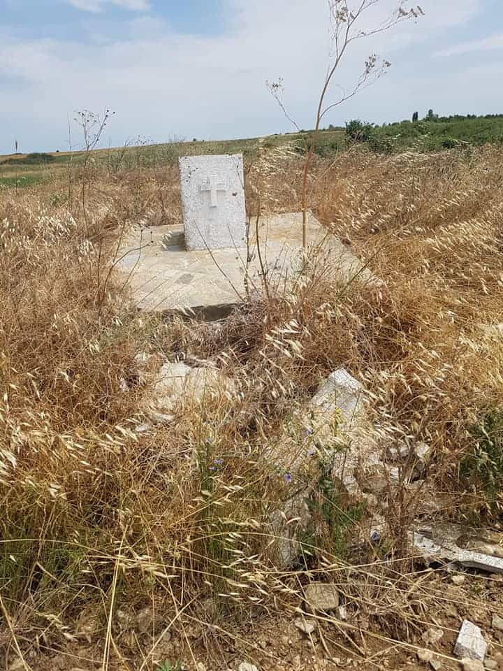 Greek border guards restore small church destroyed by illegal immigrants 4