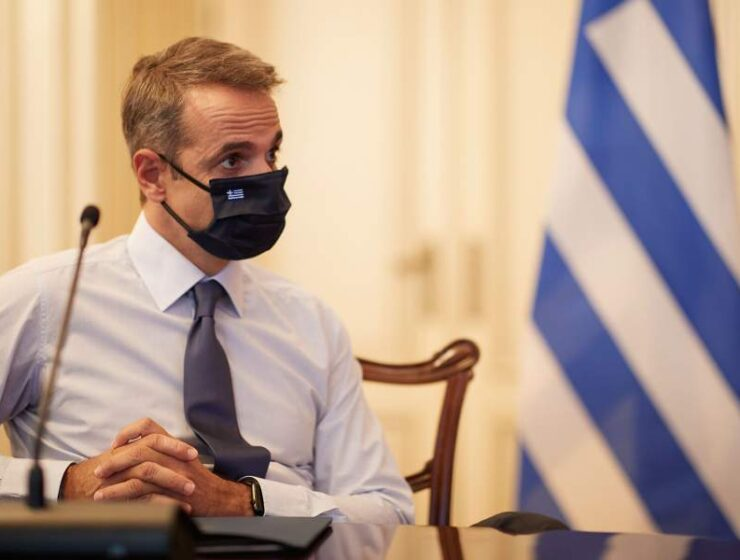 Face masks become mandatory at all public services in Greece