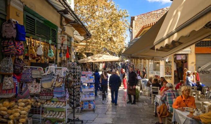 Shops in the centre of Athens can open on Sundays in 2021