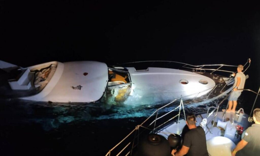Hellenic Coast Guard rescue illegal immigrants, despite harassment by Turkish authorities