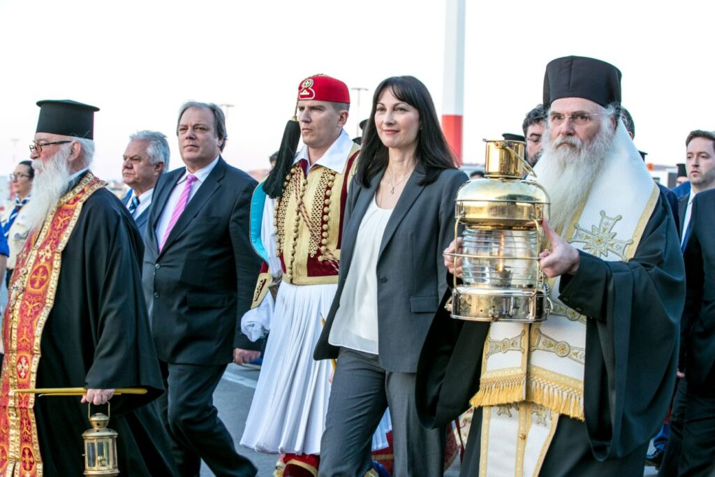 The Holy Flame arrived in Athens