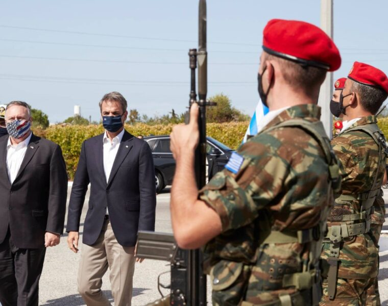 Mitsotakis to Pompeo in Souda: Greek and American aircraft will always fly above Crete 2
