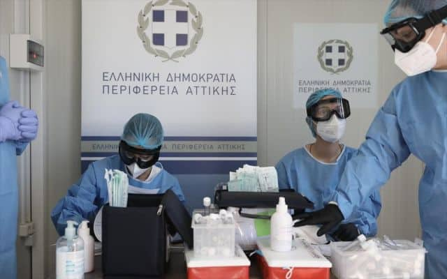 Greece ranks 29th worldwide for daily Covid-19 testing