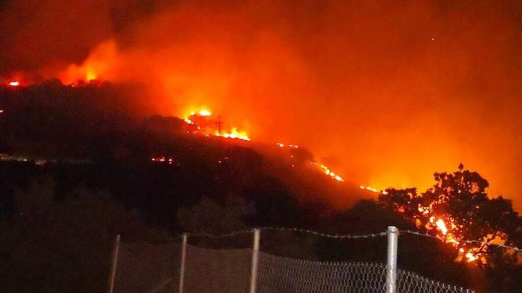 Firefighters fight fire on three fronts in Mytilene