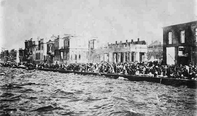 On this day in 1922, The Great Fire of Smyrna begins