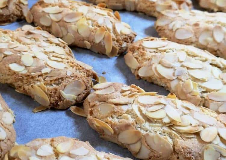 Amigthalota- Greek Almond Biscuits Recipe