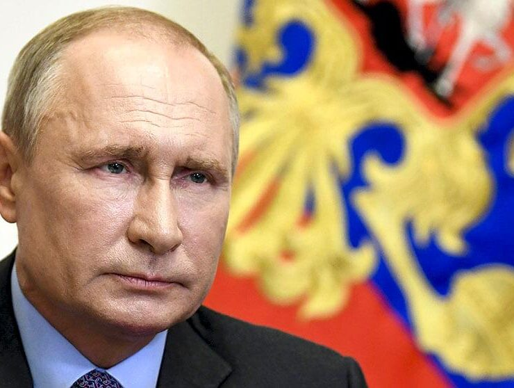 When exactly in 2021 is Putin coming to Greece? 6