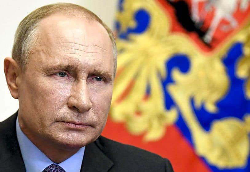 When exactly in 2021 is Putin coming to Greece? 1