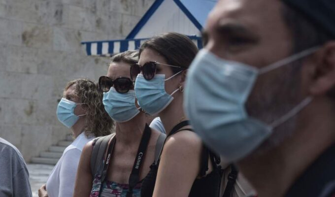 Greeks trust government on pandemic, believe conspiracy theories 3