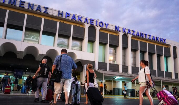 Greece extends NOTAM for passengers from Russia until October 12