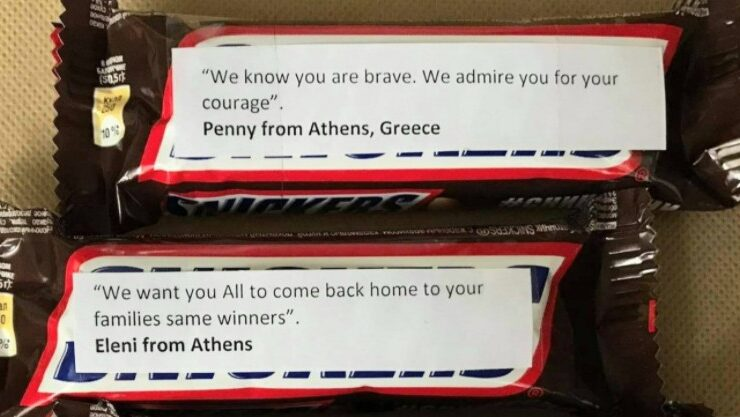 Why are Greeks sending Snickers with messages attached to Armenian soldiers on the front lines? (PHOTOS) 1