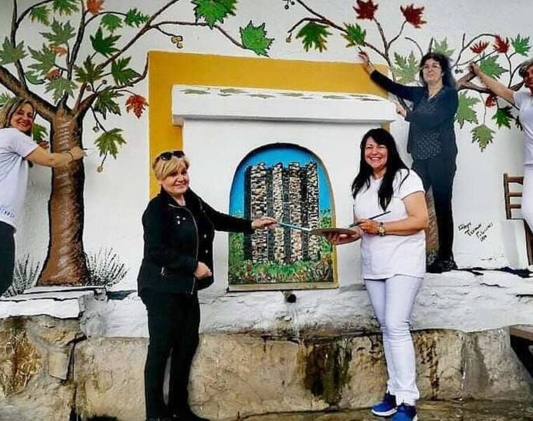 10 women transform a village in Halkidiki with their paint brushes