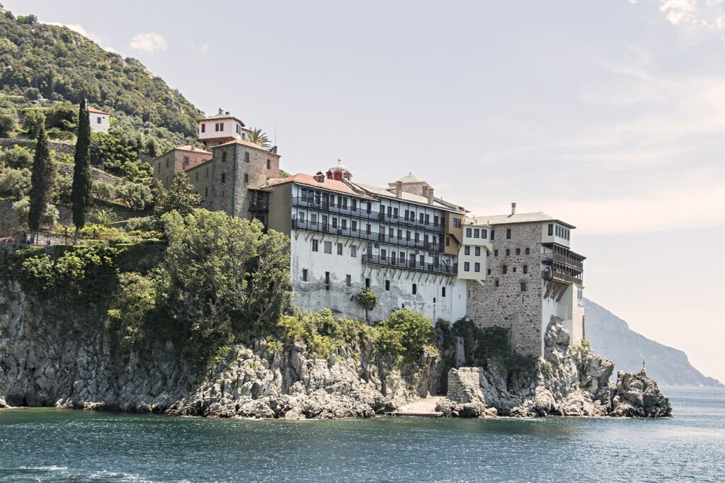 Mt Athos: Seismologists monitor the situation following series of quakes