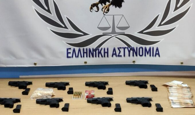 Turkey-based weapon and drug smuggler arrested by Greek police 3