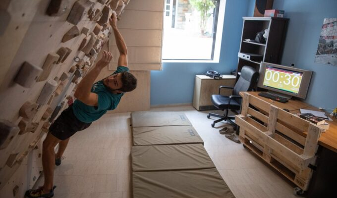 Greek rock climber gets creative at home during lockdown
