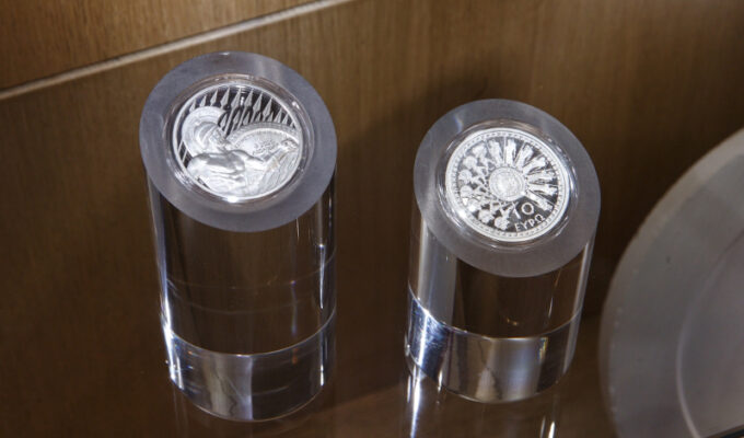 These are the collectible coins for the 2,500th Anniversary of The Battle of Thermopylae & Salamis