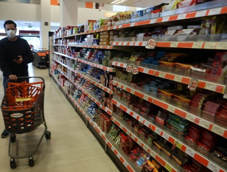 Greece announces change to supermarket trading hours