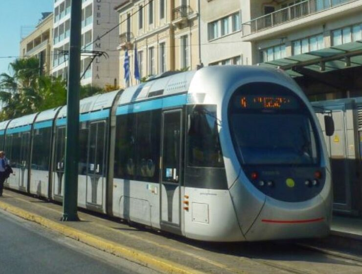 Tram resumes visits to Syntagma Square