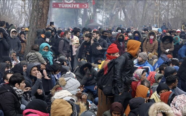 Illegal immigrants attempting to enter Greece in early 2020.