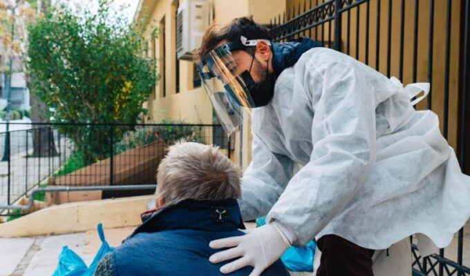 Municipality of Athens takes the lead in helping the homeless amid cold and covid-19 pandemic