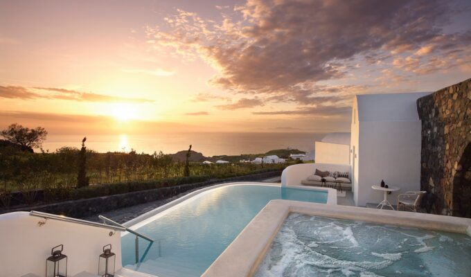 Four Greek resorts announced as winners at the World Travel Awards 2020