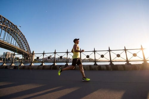 Pumping dumbbells or running 10km non-stop? Which will get you slim faster? 2