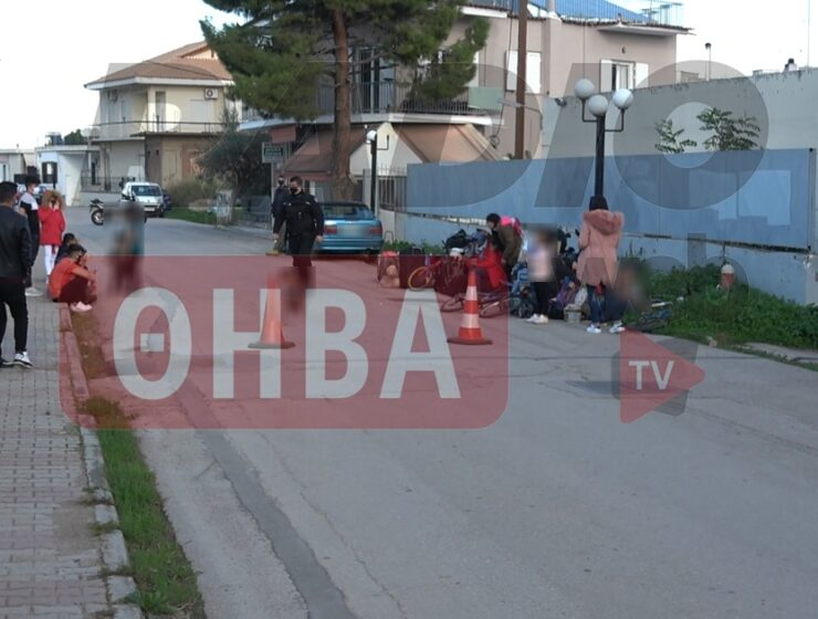 Illegal immigrants arriving at accommodation centre in Thebes demand to go to a luxury hotel 4