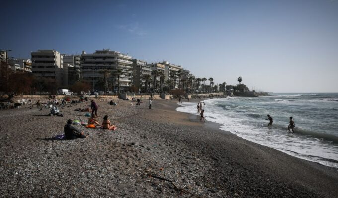 Athens' hottest January in 160 years