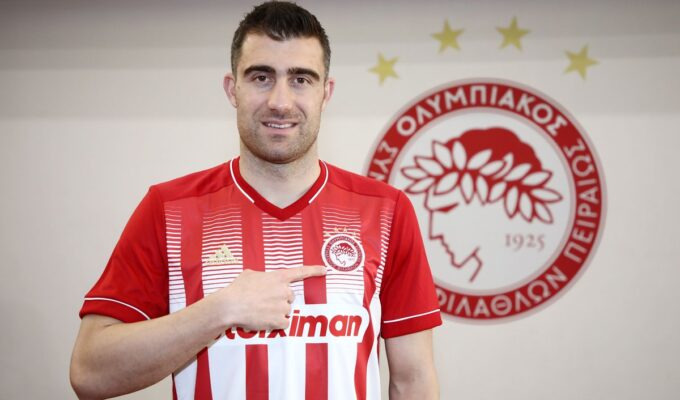Greek defender Sokratis Papastathopoulos joins Olympiacos