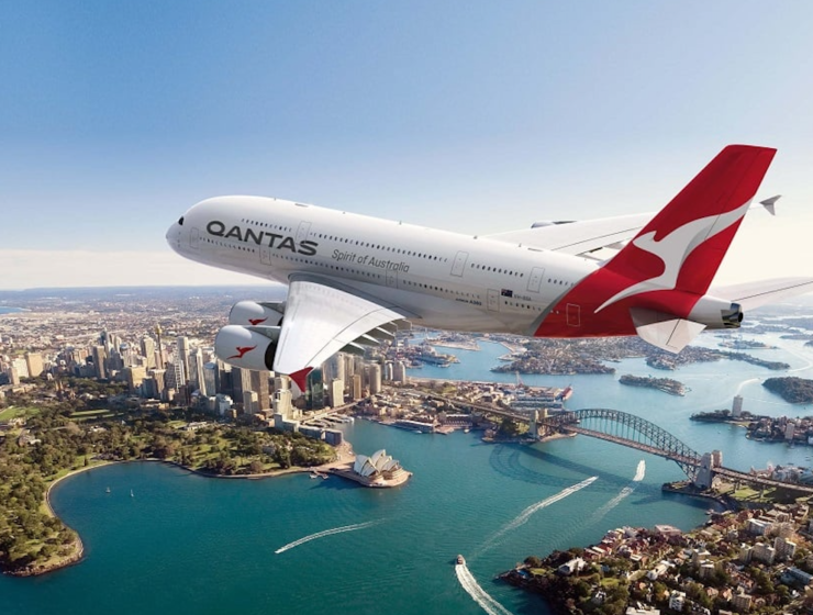 Qantas plans to resume international flights in July 2021