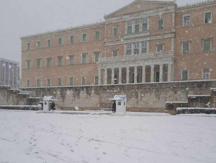 Snowfall in the regions of Attica, Evia, Cyclades and Crete to continue until Wednesday morning 2
