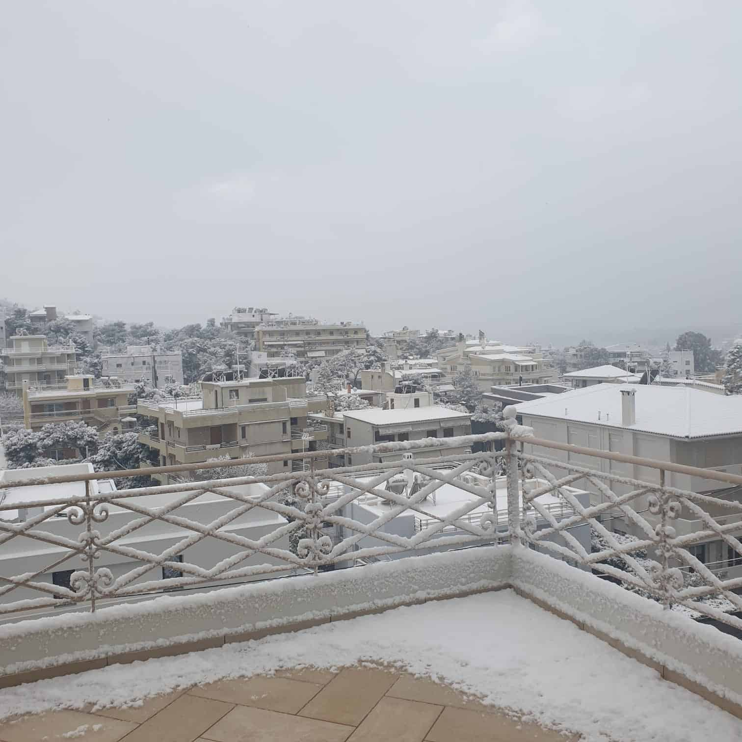 Snowfall in the regions of Attica, Evia, Cyclades and Crete to continue until Wednesday morning 10