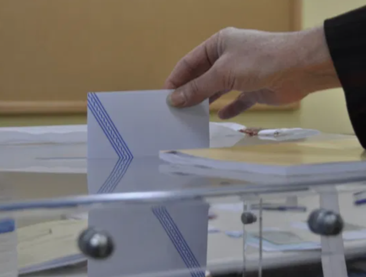 300,000 Greeks living abroad expected to register to vote