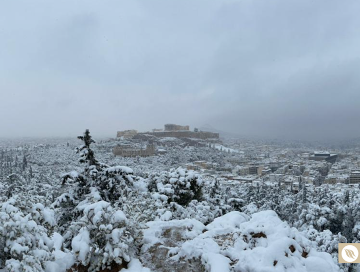 Heavy snowfall causes problems across Athens