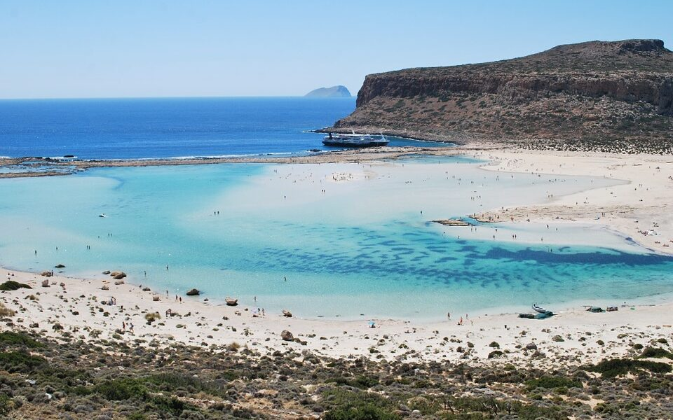 Three beaches in Greece named among the best in Europe for 2021 by Tripadvisor