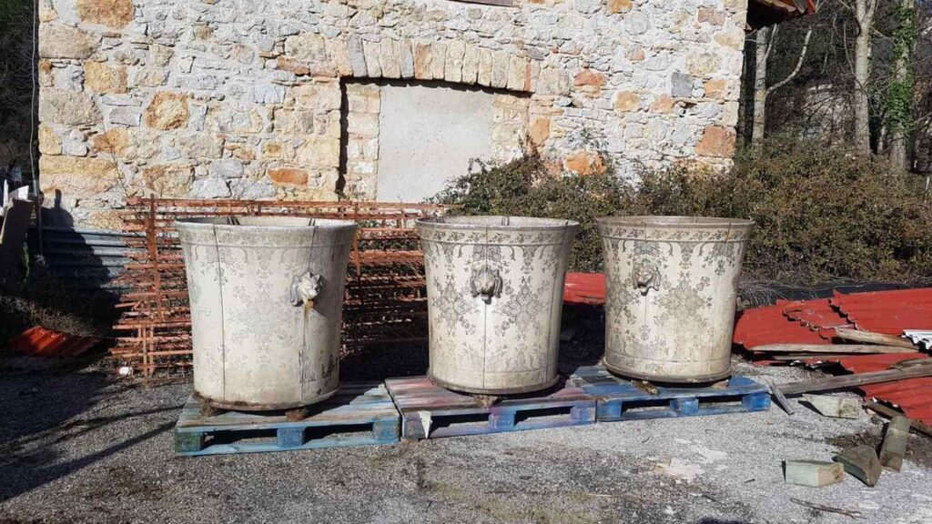 """""""Lost"""" historic pot from Tatoi Palace has been located"""
