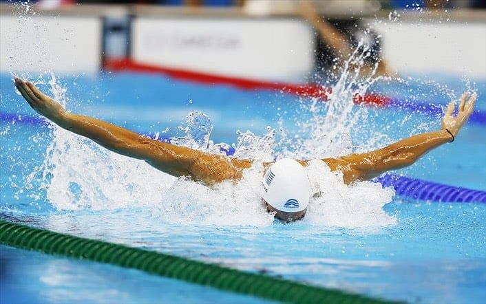 Greek swimmers protest covid-19 restrictions on training