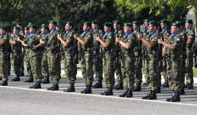 Greek army professional soldiers