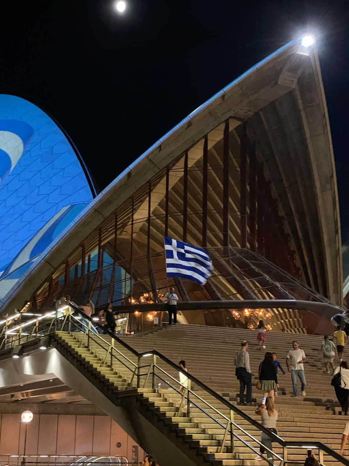 Sydney Opera House turns Blue and White for Greek Independence Day 3