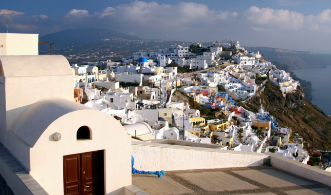 UK investors look to snap up real estate in Greece