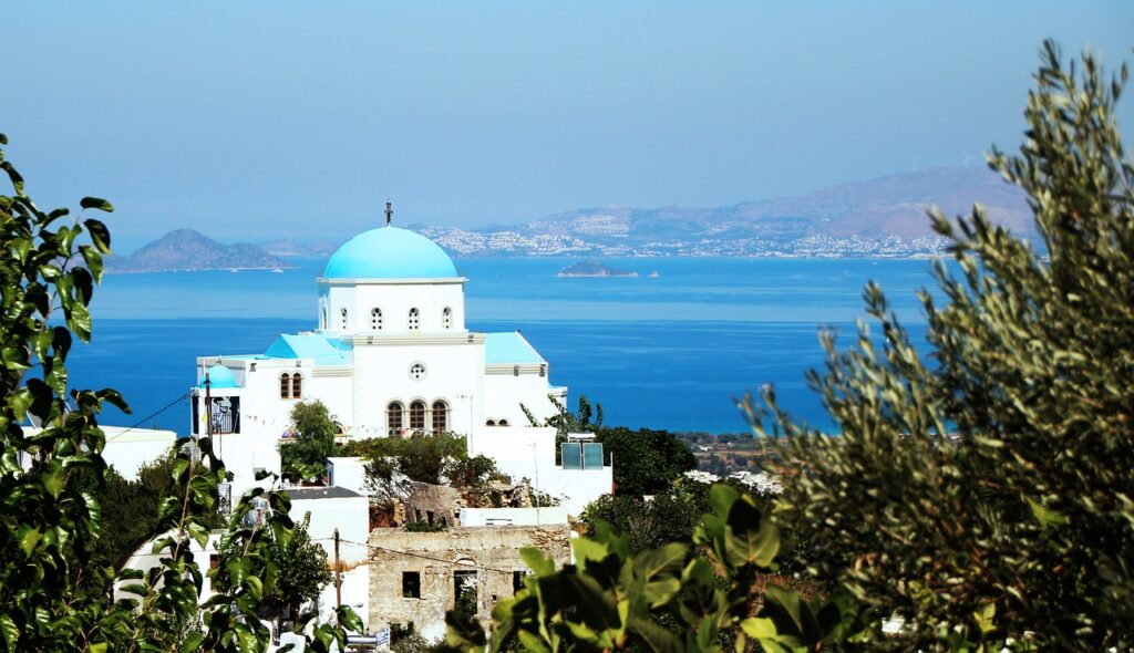 """Forbes names 5 Greek destinations """"ready for vaccinated travellers"""""""