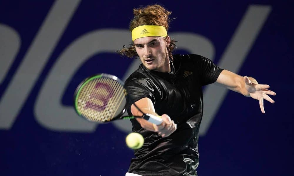 Stefanos Tsitsipas advances to the quarterfinals at the Mexican Open