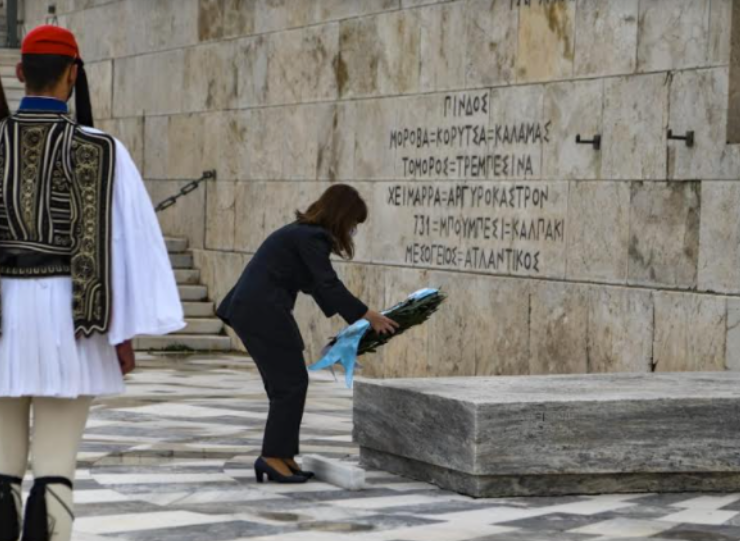 Armenian Genocide commemorated by Greek President at Tomb of the Unknown Soldier (PHOTOS) 3